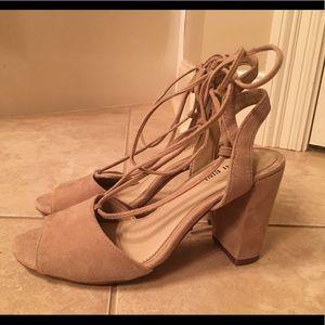 Gianni Bini Nude Block Heel Size 7.5